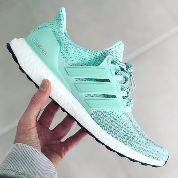 competitive price e9278 3eb20 NIB ADIDAS ULTRABOOST 2.0 re-release Lady Liberty NWT